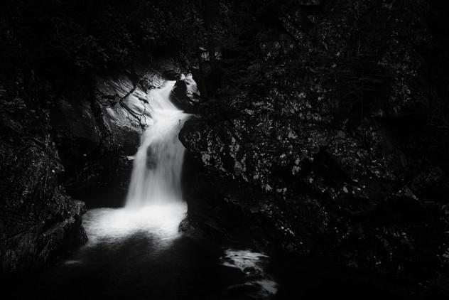Flow (black&white)