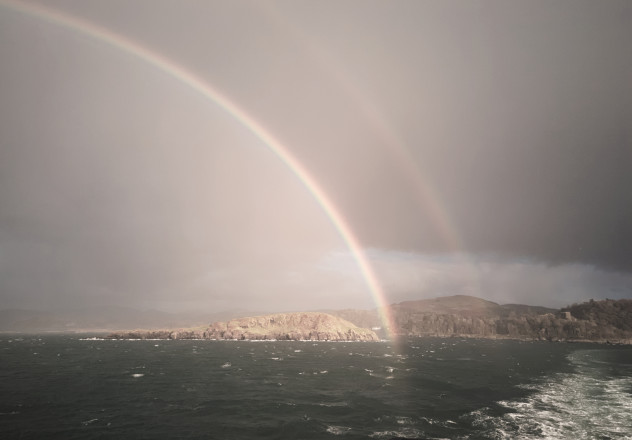 Shortly out of Oban, there was a teriffic double complete rainbow - it seemed to be hovering just 50yd behind the ferry in the water.